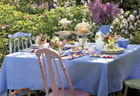garden-tea-party-table-decorations-s-984aea978ab3bf9e