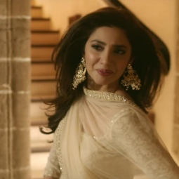 mahira-khans-look-in-raees-movie-look-1
